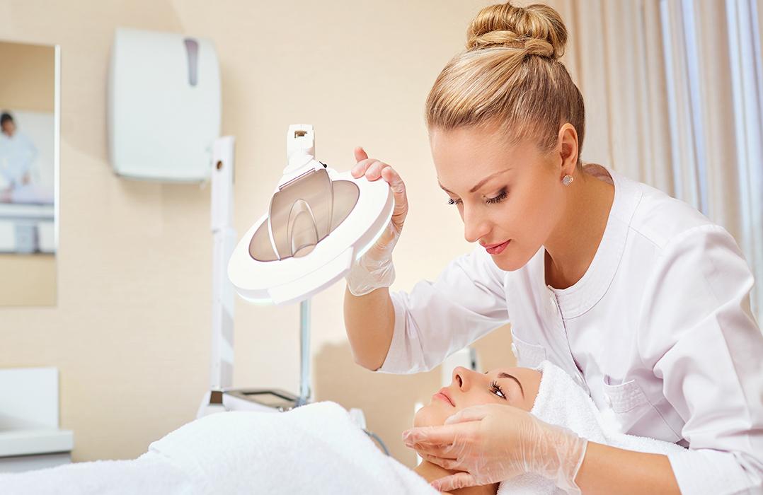 Kosmetologuddannelse - bliv lægeeksamineret og CPD-certificeret klinisk kosmetolog